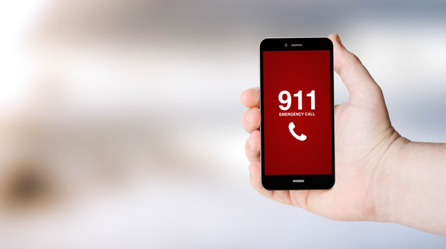 911 phone on user´s hand