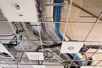 Impianto elettrico e condizionamento a soffitto