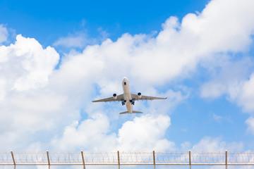 Fotobehang - Passenger airplane