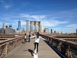 Model on the brooklyn Bridge