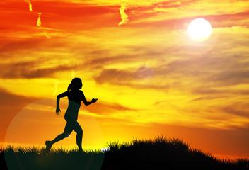 mujer corriendo por el campo