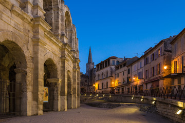Tuinposter Oude verlaten gebouwen Arles Ampitheatre