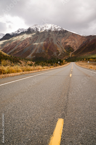 Wall mural Highway Leads Through Peaks Alaska Range Fall Autumn Season