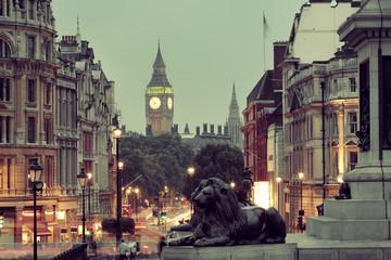 Photo sur Plexiglas Londres Street view of Trafalgar Square