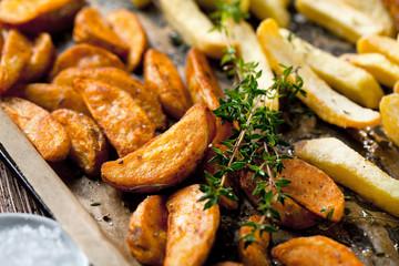 Kartoffel ecken mit Thymian und rosmarin