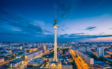 Poster Berlin Berlin skyline with TV tower at night, Germany