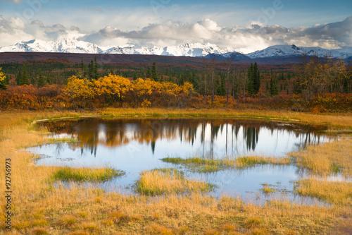 Wall mural Fall Color Alpine Lake Alaska Range Mountain Peaks Autumn Season