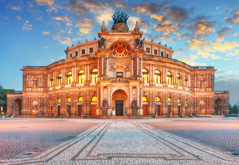 Photo sur Plexiglas Opera, Theatre Dresden - Semperoper, Germany