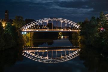Spiegelung der Luitpoldbrücke in Bamberg
