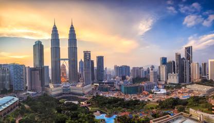 Photo sur Aluminium Kuala Lumpur Kuala Lumper skyline at twilight