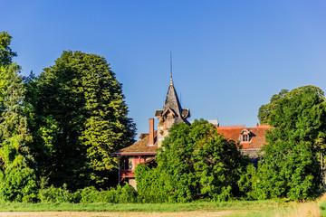 La ferme et sa tour abandonnéé