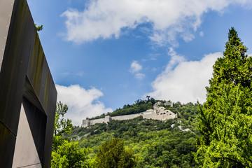 Dans le Parc de sculptures du Musée de Grenoble