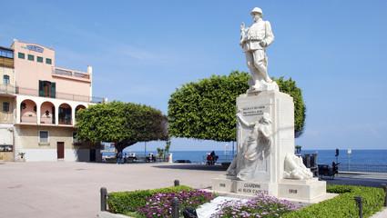 Kriegerdenkmal in Giardini Naxos