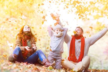 Herbst Familie hat Spaß