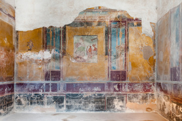 Fototapete - Remains of fresco in ancient house of Pompeii. Italy - Pompeii w