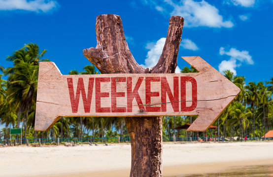 Weekend arrow with beach background