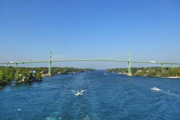 Die Thousand Islands International Bridge über den St. Lorenz Strom