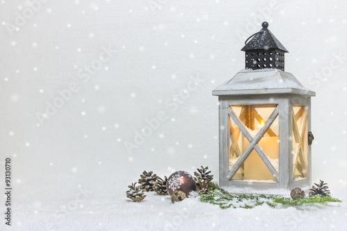 laterne im schnee stockfotos und lizenzfreie bilder auf bild 93130710. Black Bedroom Furniture Sets. Home Design Ideas