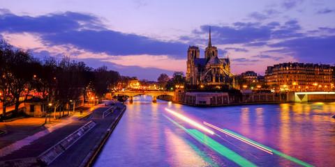 Poster Paris Notre Dame at the river Seine during twilight, Paris, France