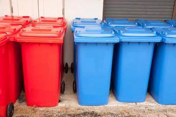 blue red bins