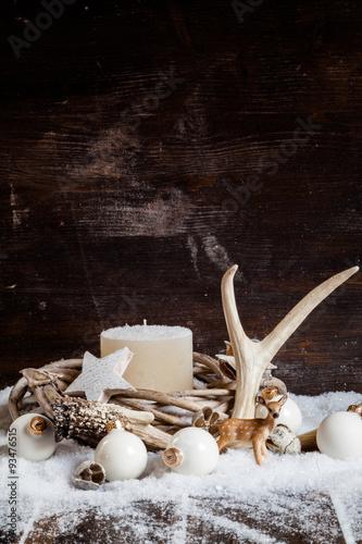 Material Christbaumkugeln.Weihnachtsdeko Mit Kerze Weidenkranz Christbaumkugeln