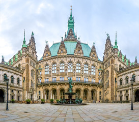 Autocollant pour porte Cracovie Beautiful Hamburg town hall with Hygieia fountain from courtyard, Germany