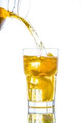 Ice tea with lemon splash