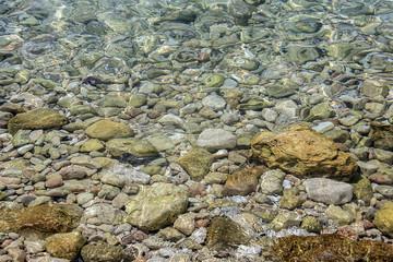 Rocce sulla spiaggia delle Tremiti