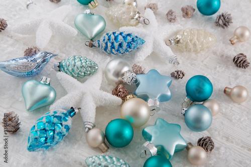 dekoration zu weihnachten in blau t rkis wei und braun. Black Bedroom Furniture Sets. Home Design Ideas