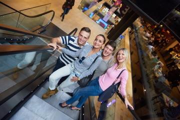 friends in shopping
