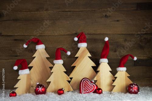 Weihnachten mit Humor. Handgemachte Weihnachtsbäume aus Holz mit ...