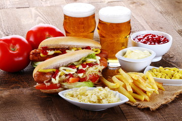 Hot dog e birra