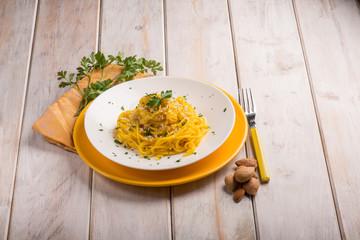 spaghetti with saffron and almond
