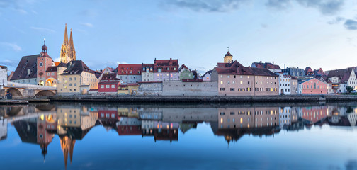 Fototapete - Evening panorama of Regensburg from side of Danube river, Bavaria, Germany