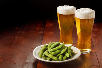 Fotobehang - ビールと枝豆 Beer and Green soy beans
