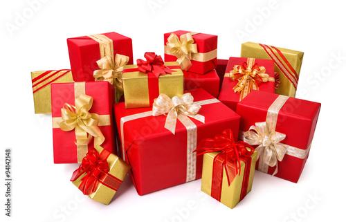 schicke geschenkpackungen in rot und gold stockfotos und lizenzfreie bilder auf. Black Bedroom Furniture Sets. Home Design Ideas