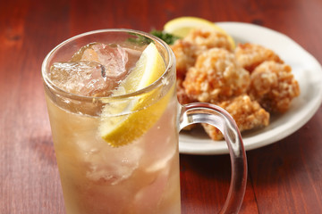 Wall Mural - ハイボールと唐揚げ Whisky Highball and Fried chicken