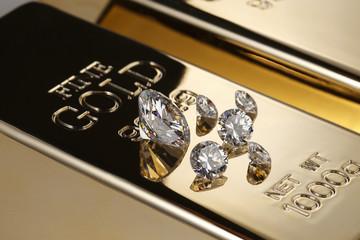 金塊とダイアモンド