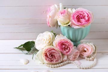 Sweet pink roses flowers in vase