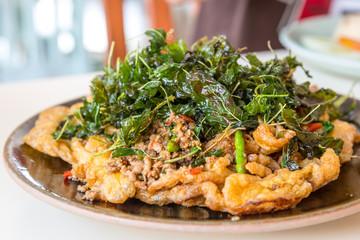 omelette with basil pork