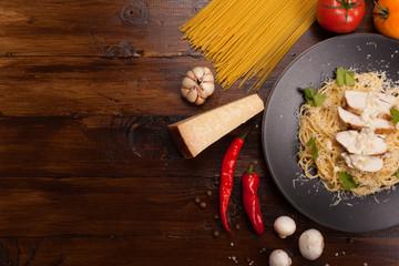 Spaghetti with white sauce
