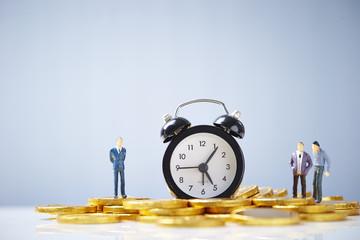 時計と小銭とビジネスマン