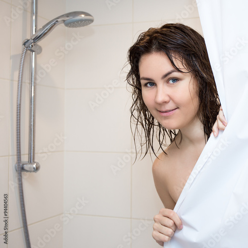 very-young-girl-naked-shower