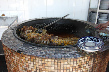 large cauldron with the ready pilaf