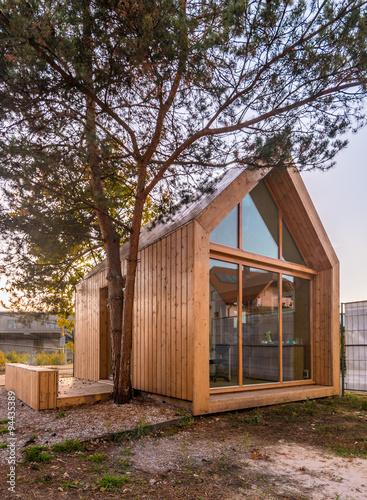 Modernes Holzhaus modernes holzhaus stockfotos und lizenzfreie bilder auf fotolia com