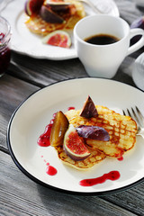 pancakes with figs