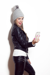 girl take selfie