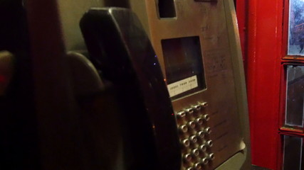 Cabina Telefonica Londra 94 : Cabina telefonica inglese in legno su misura con armadio cabina