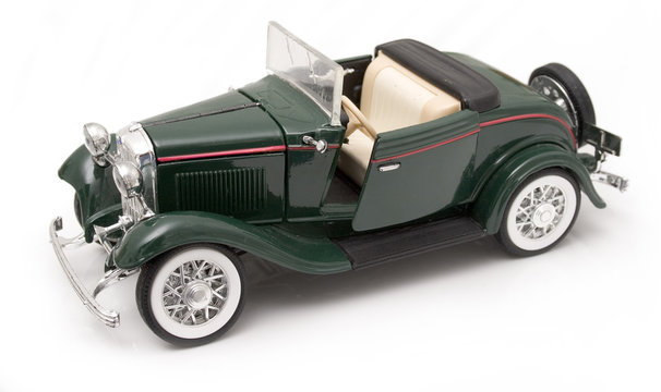 Ford 1932 Ford Deluxe Roadster Modellauto/Miniatur