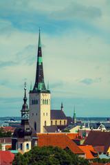 Fotomurales - Panorama of the old town in Tallinn, Estonia